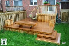 2 level decks for a small back yard | this deck plan is for a medium size single level deck with a bench and ...