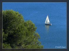 Calme sur l'étang de Berre... http://mistoulinetmistouline.eklablog.com/ http://www.my-art.com/isabelle-escapade/collections/provence http://www.lulu.com/spotlight/IsabelleEscapade