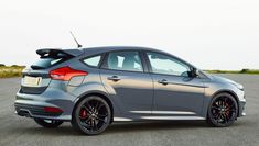Ford Focus ST /// 2015 Ford Focus ST gets a sharper look, more tech
