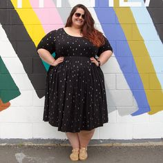 2090f638d45e New Zealand plus size blogger Meagan Kerr wears 17 Sundays Arrow Print  Dress Arrow Print