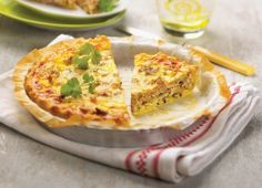 A simple Tuna quiche recipe for you to cook a great meal for family or friends. Buy the ingredients for our Tuna quiche recipe from Tesco today. Tuna Quiche, Quiche Ricotta, Quiches, Tesco Real Food, Frittata Recipes, Quiche Lorraine, Recipe Images, Empanadas, Family Meals