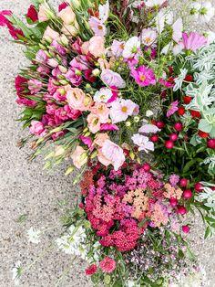 Fresh Flowers, Pretty Flowers, Floral Wreath, Wreaths, Studio, Plants, Decor, Beautiful Flowers, Flower Crowns