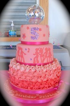 Disco Diva - Cake by Truly Scrummy