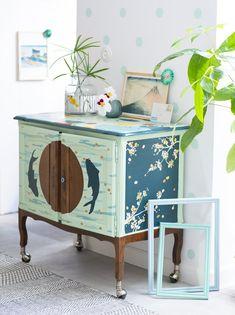DIY déco : tuto pour relooker un meuble avec des motifs japonais Recycling, Art Deco, Cabinet, Storage, Furniture, Diy Dressers, Design, Style Japonais, Home Decor