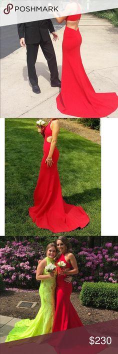 Selling my sherri hill prom dress. Size 00 Only worn once Sherri Hill Dresses Prom