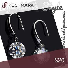 🆕✨💖Sterling silver dangling stone earrings Stunning Sterling silver with a dangling cubic zirconia stone. ✨4 available ✨ Sparkle & Style Jewelry Earrings