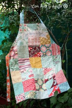 Apron - website is in spanish but what a cute idea for some adventure sewing!