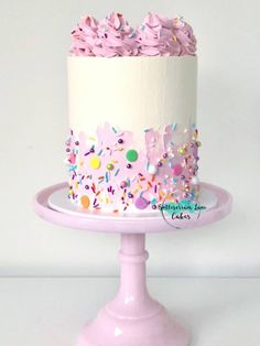 Buttercream and sprinkles birthday cake Fancy Cakes, Cute Cakes, Pretty Cakes, Gorgeous Cakes, Amazing Cakes, Character Cakes, Drip Cakes, Occasion Cakes, Buttercream Cake
