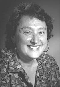 Lynn Margulis, nacida como Lynn Alexander (Chicago, 5 de marzo de 1938 - 22 de noviembre de 2011) fue una destacada bióloga estadounidense. Entre sus numerosos trabajos destacó por describir un importante hito en la evolución, su teoría sobre la aparición de las células eucariotas como consecuencia de la incorporación simbiótica de diversas células procariotas.