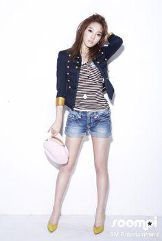 SNSD's Taeyeon, Genie