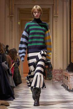 Kenzo La Collection Memento Fall 2018 Ready-to-Wear Fashion Show Collection Knitwear Fashion, Knit Fashion, Love Fashion, Fashion Design, Fashion Trends, Kenzo, Fashion Week 2018, Autumn Fashion 2018, Moda Paris