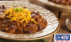 Tasty and spicy chili made with beef, beans and Portuguese piri piri chili peppers – perfect for dinner! With just a push of a button, your weekday dinner is taken care of as the chili cooks away in the slow-cooker. Best Chili Recipe, Chili Recipes, Game Recipes, Mexican Recipes, Cajun Chili Recipe, Deer Recipes, Mexican Meals, Mexican Dishes, Copycat Recipes
