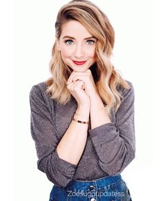 That's photo is so cute zoe look Zoella Beauty, Hair Beauty, Juste Zoe, Zoe Sugg, Famous Youtubers, Cute Beauty, Woman Crush, Girl Crushes, Celebrity Style