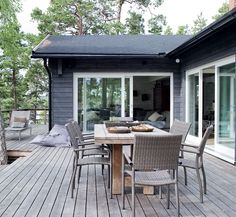 Cabins In The Woods, House In The Woods, Black House Exterior, Weekend House, Facade House, Backyard Patio, Home Design, Architecture, House Colors