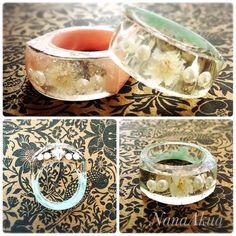 またまたUVレジンで指輪つくったよ 今度は違うモールドで。 カスミソウのドライフラワー入り。 #uvresin #resin #resinring #ring #accesories #handmade #handcrafted #diy #ナナアクヤ #uvレジン #レジン #レジンアクセサリー #指輪 #リング #ハンドメイド #カスミソウ