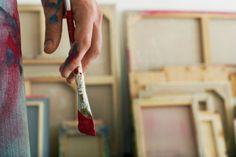 """O Sesc Belenzinho realiza, em diversas datas e horários, oficinas gratuitas de iniciação em artes visuais, ministradas por artistas educadores especialistas em cada modalidade. O projeto, chamado """"Ateliês de Arte"""", tem o objetivo de aproximar o público do universo artístico."""