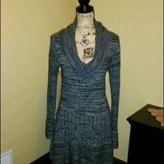 """Grey sweater dress. Women's Chelsea and Theodore sweater dress. Size medium. Worn twice. Brand new condition. 34"""" from shoulder to hem. Chelsea and Theodore  Dresses Midi"""