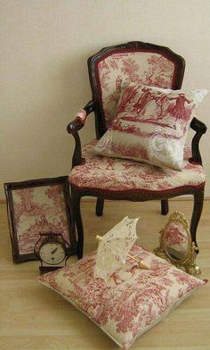 Our head table chairs will look similar to this.
