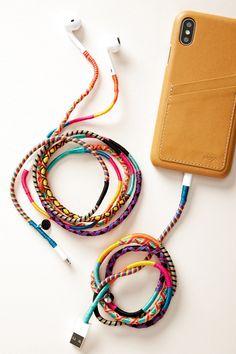 Diy accessories 39054721755530034 - Slide View: Happy-Nes Lightning Cord Source by laurenleighhenson Cute Crafts, Diy Crafts To Sell, Handmade Crafts, Easy Crafts, Handmade Jewelry, Creative Crafts, Bracelet Crafts, Macrame Bracelet Diy, Friendship Bracelet Patterns