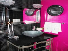 Photos Of Antique Bathroom Accessories With Pink http bathroomdesignsideas org