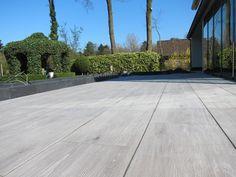 Keramisch parket outdoor Porches, Ideal Home, Sweet Home, Sidewalk, Patio, Flooring, Roof Gardens, Outdoor, Inspiration
