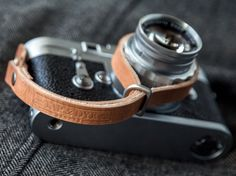 TAP & DYE - handcrafted leather camera straps (leica)