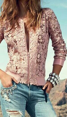 Ideas sport chic outfit 2019 In the last 30 years, the evolution of fashion Mode Outfits, Chic Outfits, Sport Outfits, Hiking Outfits, Boho Fashion, Fashion Dresses, Mode Chanel, Diy Vetement, Mode Boho