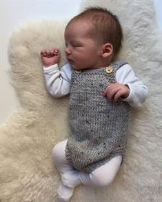Diy Crafts - Ravelry: Little Brother's Romper pattern by PetiteKnit Baby Knitting Patterns, Knitting For Kids, Baby Patterns, Free Knitting, Knitted Baby Clothes, Knitted Romper, Diy Crafts Knitting, Little Brothers, Romper Pattern