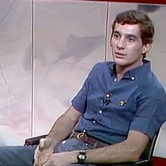 Ayrton interviewed during the Tv show Roda Viva of Tv Cultura channel on the 15th of December, 1986.  AS: I was never involved with politics for two reasons: First one; I don't understand it - second one; I don like it. My thing is sport, my life, my family and my friends... and I do what I love... I am priviledged to do what I love.