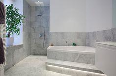 Halv sten Carrara, Lovely Apartments, Home Deco, Bathtub, Bathroom, Studio, House, Inspiration, Seaside