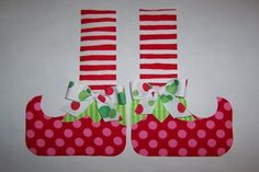 Fabric Applique PDF TEMPLATE Pattern.....Christmas Elf Shoes...Great For Quilts/Shirts/Pillows/Scrapbook Art by etsykim on Etsy https://www.etsy.com/listing/60546534/fabric-applique-pdf-template