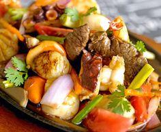 Lomo saltado con frutos del mar – Para 4 personas | Comida Peruana