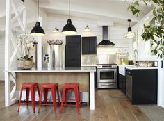 Studio 1|San Francisco, Lisa Collins, Renovation of California post and beam with sliding barn doors, Remodelista
