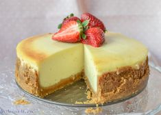 """Cheesecake clasic """"New York"""" - rețetă VIDEO – Dulcinele Jacque Pepin, Sweet Pastries, Food Cakes, Cheesecakes, Biscuit, Cookie Recipes, Good Food, Food And Drink, Healthy Recipes"""
