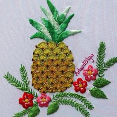 hand embroidery stitches for crazy quilts Diy Embroidery Patterns, Basic Embroidery Stitches, Hand Embroidery Videos, Embroidery Stitches Tutorial, Embroidery Flowers Pattern, Creative Embroidery, Simple Embroidery, Learn Embroidery, Silk Ribbon Embroidery