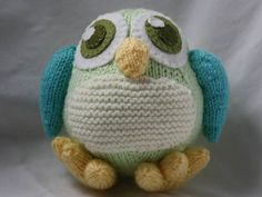 Hand Knitted Owl - Barnaby the Baby Owl Hand Knitting, Knitting Patterns, Knitted Owl, Baby Owls, Stockinette, Garter Stitch, Knitting Projects, Cute Gifts, Wool Felt
