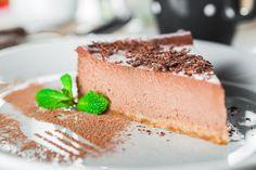 Rezept für einen leichten Low Carb Schokoladenkuchen - kohlenhydratarm, kalorienarm, ohne Zucker und Getreidemehl gebacken. www.ihr-wellness-magazin.de