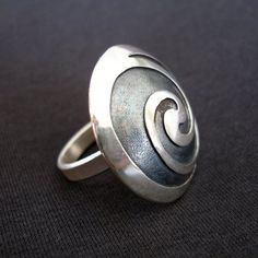 Ring    Lorenzo Pepe ~ Drophius.  'Double Spiral'.  Sterling silver