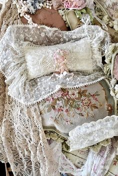 love the tapestry pillows (and the lace one, too)  ♥