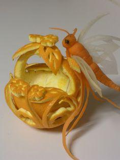 orange and carrot – Food Carving Ideas - New Sites Fruit Sculptures, Food Sculpture, Veggie Art, Fruit And Vegetable Carving, Kreative Snacks, Deco Fruit, Vegetable Decoration, Food Carving, Food Garnishes