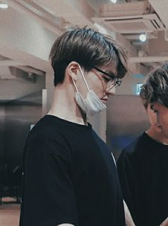 "Hwang Yeji & Lee Jeno ""When I need you, do you need me?"" ""Yes,… # Fiksi penggemar # amreading # books # wattpad"