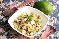 Receta de Ensalada de pasta con aguacate y queso #RecetasGratis #Ensaladas #RecetasdeCocina #RecetasFáciles #ComidaSana #EnsaladaPasta #Aguacate