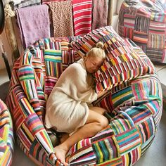 Jumbo Bori Bori Bean Bag / Round bean bag made up of upcycled material Bean Bag Pattern, Giant Bean Bags, Relaxation Station, Roomspiration, Stylish Bedroom, Lounge Seating, Perfect Pillow, Decor Interior Design, Home Projects