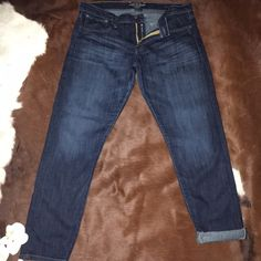 ✨LUCKY BRAND SIENNA CIGARETTE ✨ GREAT CONDITION  • A boyfriend fit with a 29 inch  inseam • Mid-rise (8.75 inch front rise and 12 inch back rise to provide appropriate coverage when seated). Lucky Brand Jeans