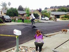 Un séisme qui fait des heureux... http://www.15heures.com/photos/seisme-fait-heureux-3388.html #WIN