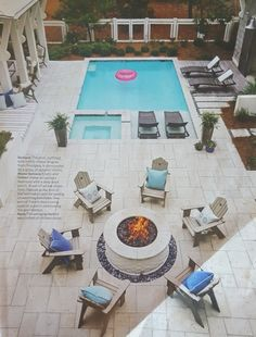 The Pool, Outfitted With Comfy Chaise Longues From Frontgate, Is Surrounded  By A Series Of Outdoor Rooms.   Photo: Jean Allsopp / Design: Georgia  Carlee ...
