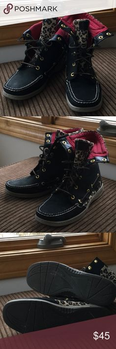 Sperry women's boots Gently worn Sperry Top-Sider black and leopard boots.  Red lining