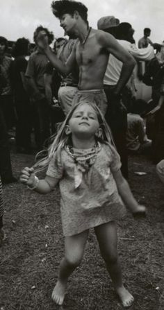 Girls From Woodstock 1969 Show The Origin Of Todays Fashion | Bored Panda