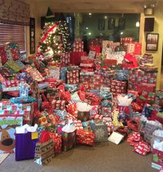 Thanks very much for the outstanding support again this year for the 88.5 WJIE Christmas Dream Tree! Families in our community will be blessed by the generosity. Have a very Merry Christmas!