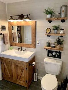 20 Most Popular Small Apartment Bathroom Decor Ideas Bathroom Renovation, Bathroom Decor, Small Bathroom Remodel, Amazing Bathrooms, Bathrooms Remodel, Bathroom Makeover, Apartment Bathroom, Small Farmhouse Bathroom, Small Apartment Bathroom